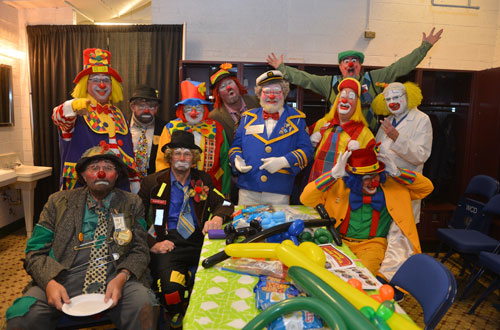 clowns shrine circus Milwaukee